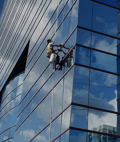 Commercial Window Washing San Diego