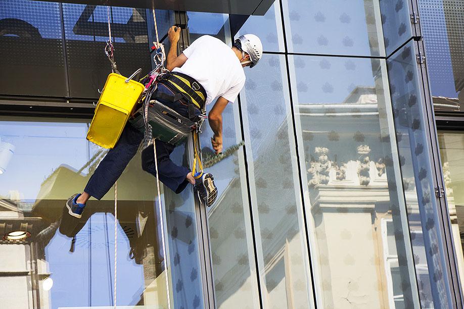 Commercial Window Washing San Diego