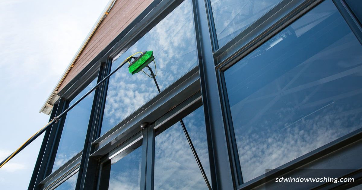 The 'Reach & Wash' Pole System Window Cleaning Method